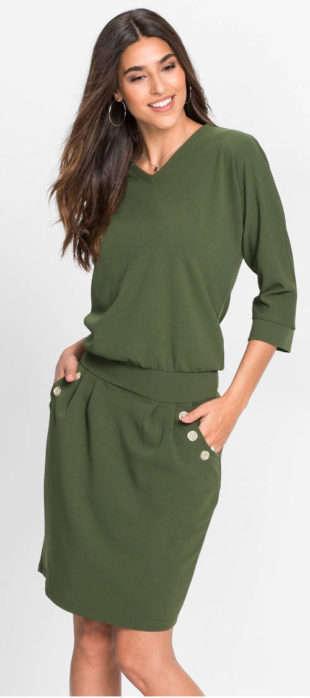 Šaty z jemného úpletu v machovo zelenej farbe