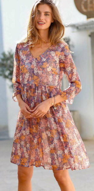 Vzdušné letné kvetinové šaty s rozšírenú sukňu