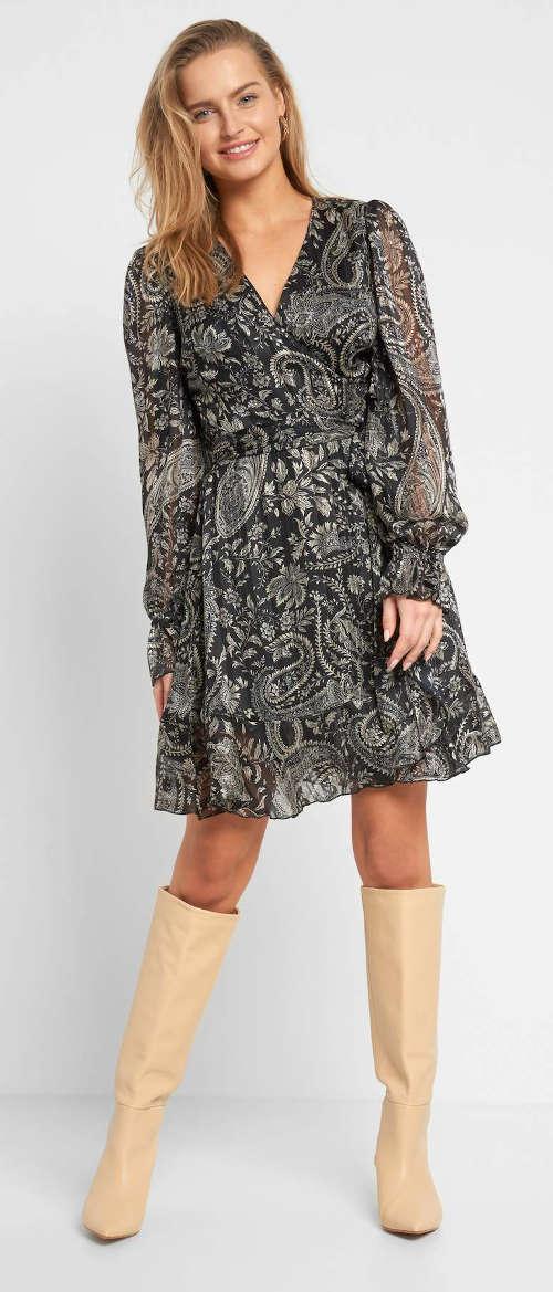 Zavinovacie šaty s geometrickým vzorom zo splývavého materiálu