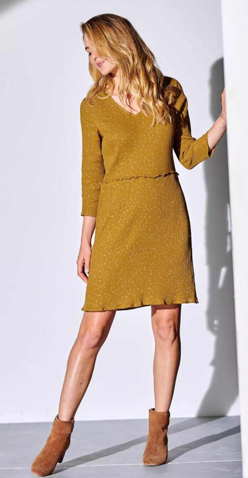 Jednofarebné moderné šaty so 3-4 rukávmi