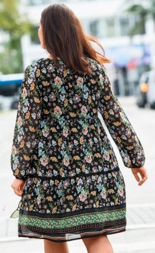 Jesenné šaty pre plnšie tvary
