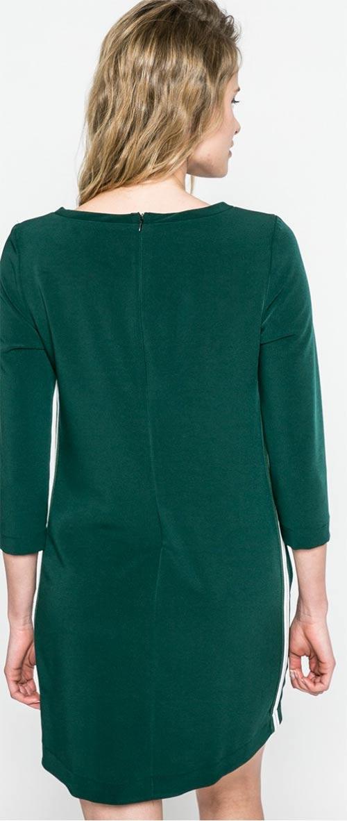 Zelené šaty s dlhými rukávmi