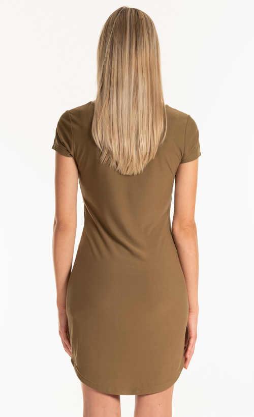 Jednoduché letné šaty v krátkej dĺžke