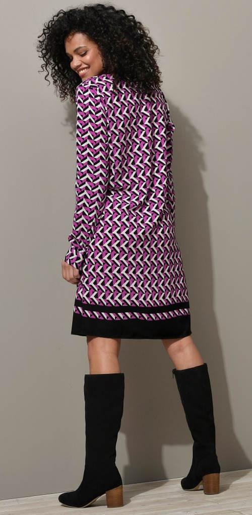 Fialové šaty ku čižmám