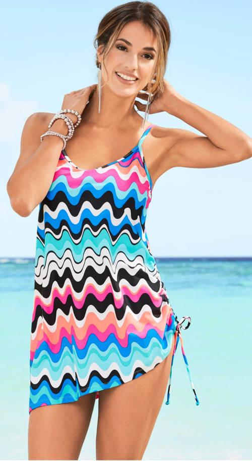 Plavkové šaty so zoštíhľujúcim vzorom