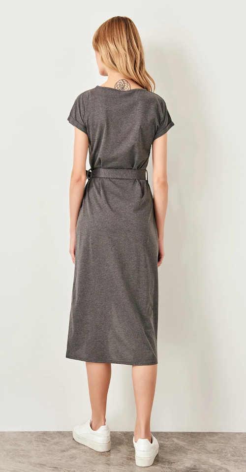 Šaty s krátkymi rukávmi a viazaním v páse