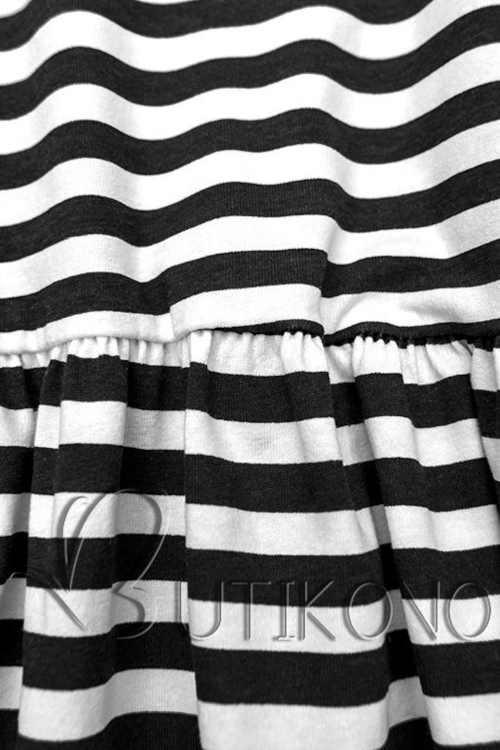 Čierno-biele pruhované šaty