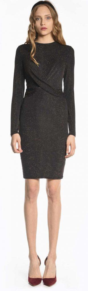 Lacné čierne večerné šaty s trblietavým efektom