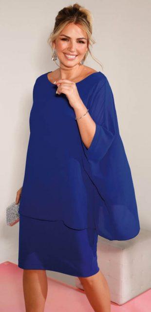 Modré vrstvené plesové šaty pre plnoštíhle