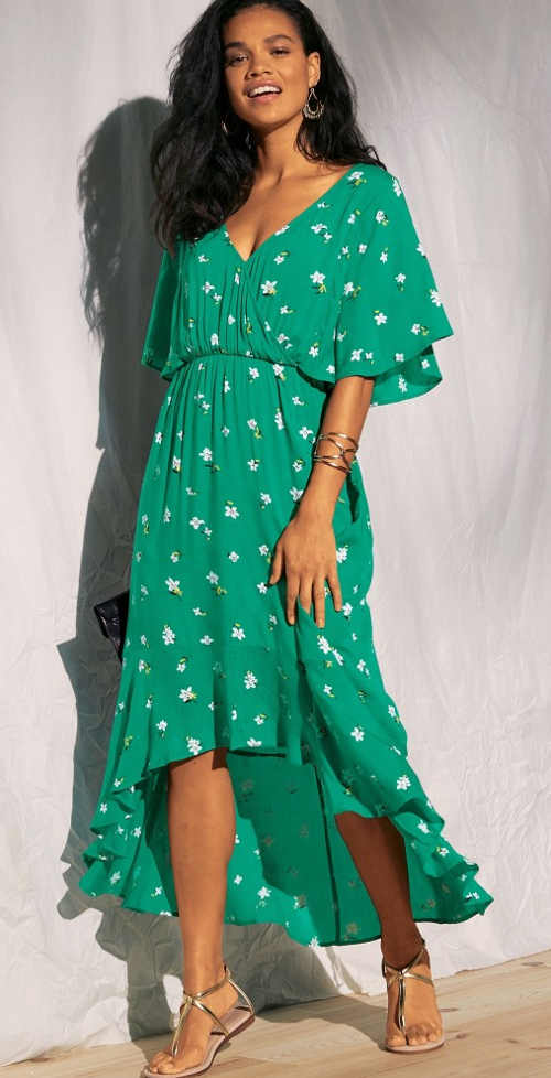 Vzdušné dámske šaty s asymetrickým volánovým lemom