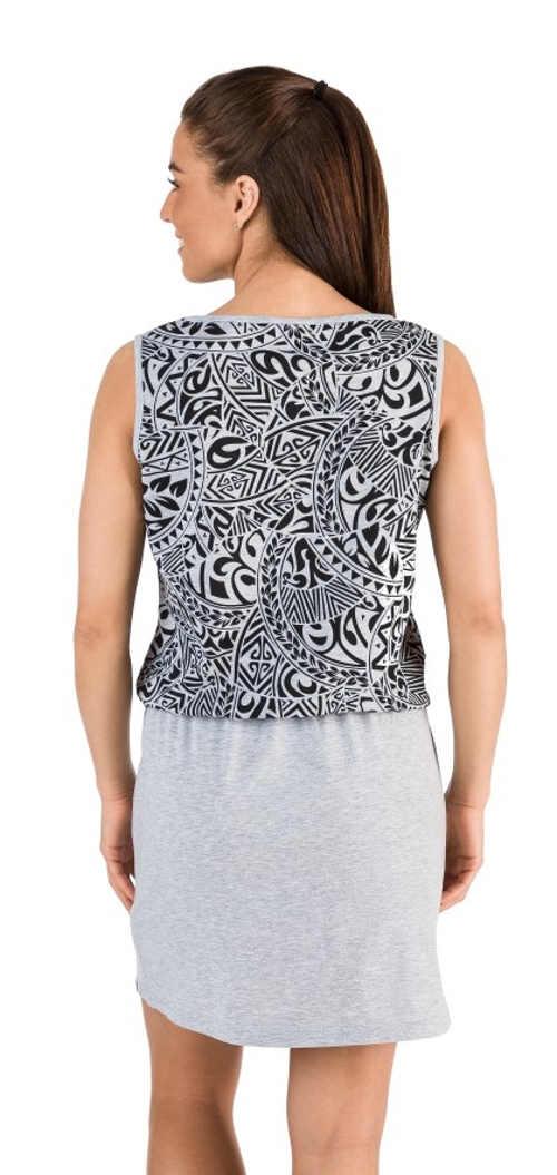 Dámske šaty s dĺžkou nad kolená v pohodlnom dizajne