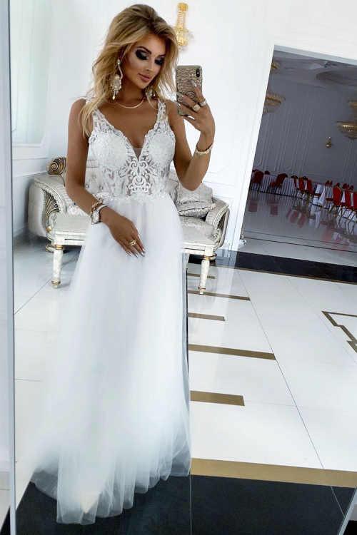 Luxusné dlhé dámske šaty s očarujúcou výšivkou