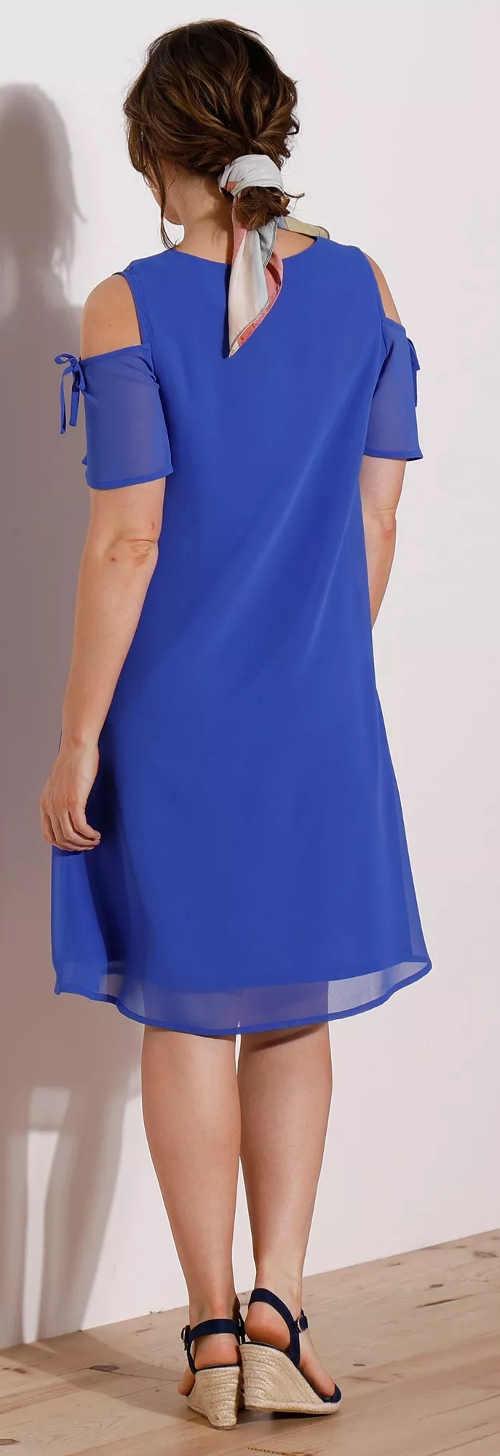 Modré spoločenské šaty s prieramkami